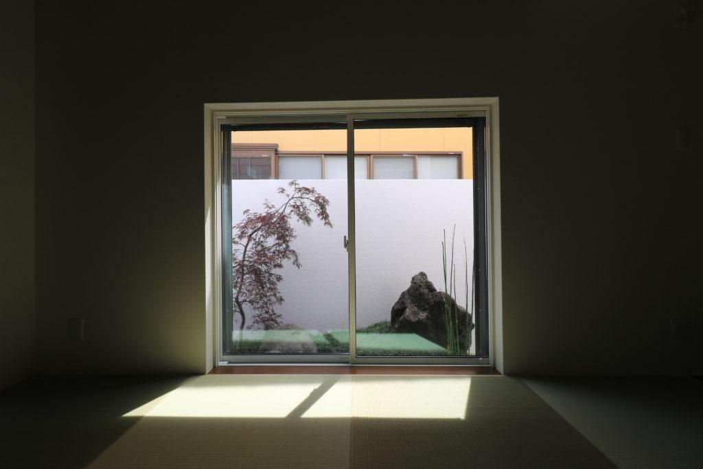 和室坪庭の眺め