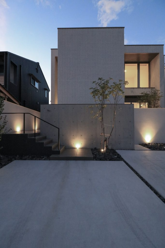 建物とエクステリアのライティング